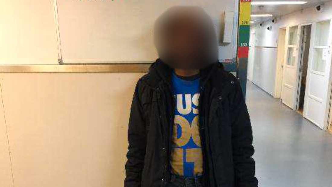 Den 30-årige mannen misstänks också för flera sexuella ofredanden, varav ett tillsammans med 27-åringen.