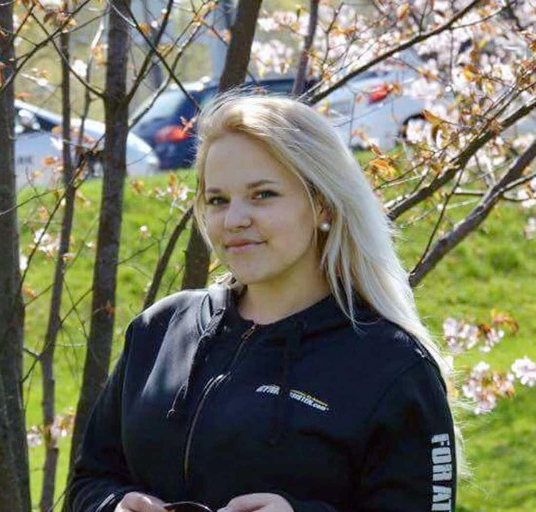 """Alexandra, 17, blev sexuellt ofredad på festivalen """"Putte i parken""""."""