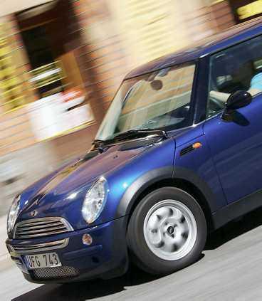 Mini Cooper säljer inte mest, men enligt Aftonbladet Bils läsare är den bäst. Helt enkelt premium i miniformat - och därför kostar den också därefter.