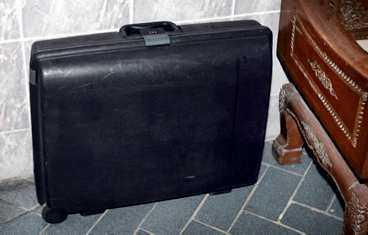 VÄSKAN Svensken betalade sitt hotellrum men lämnade kvar resväskan.