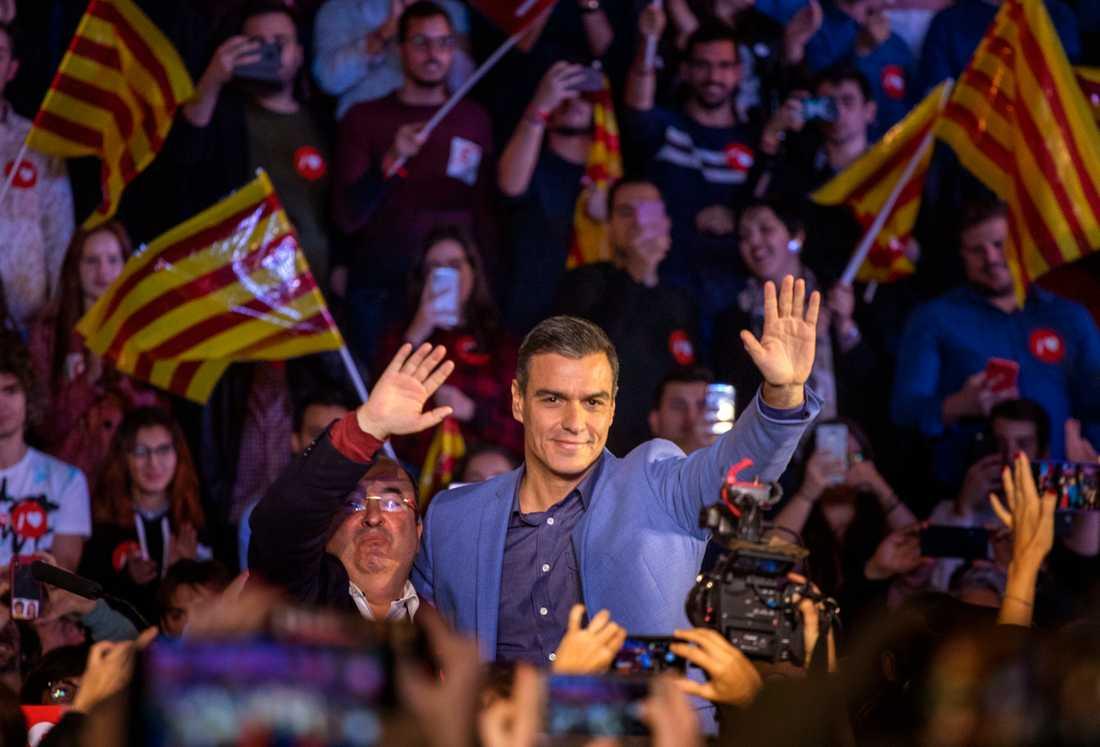 Det lär bli upp till socialistpartiets Pedro Sánchez att bilda regering igen.