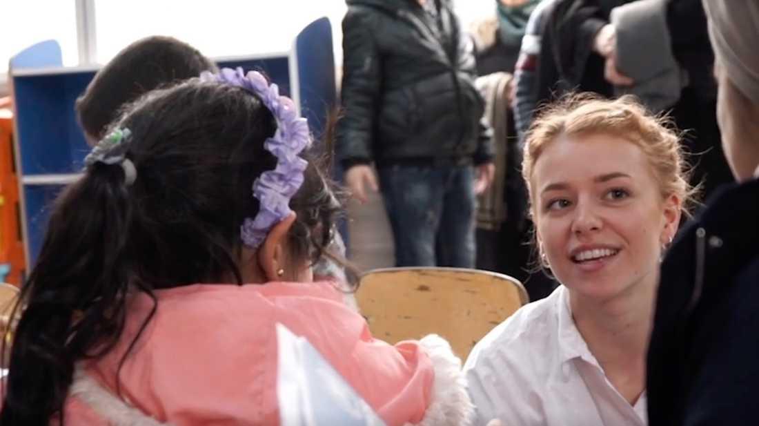 Clara fick bland annat besöka en förskola inne i lägret.