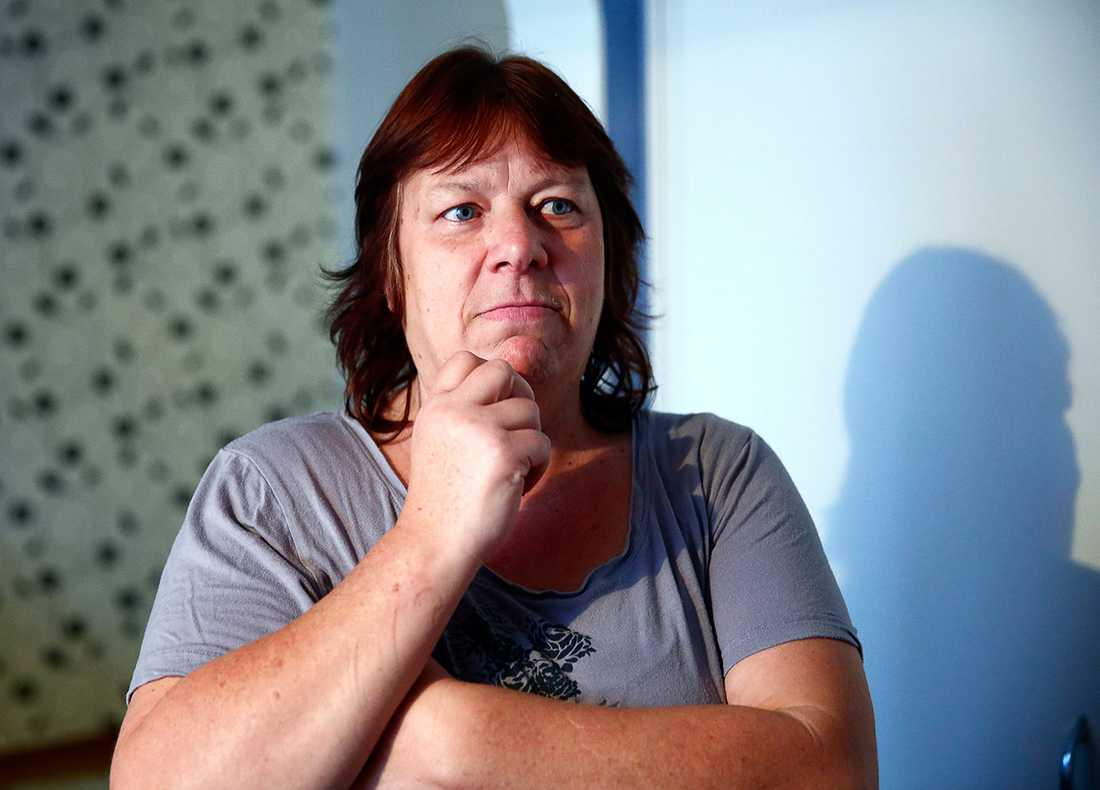 """Helene Larsson är granne med misstänkte gärningsmannen. """"Lugnare trapp får man leta efter"""", säger hon."""