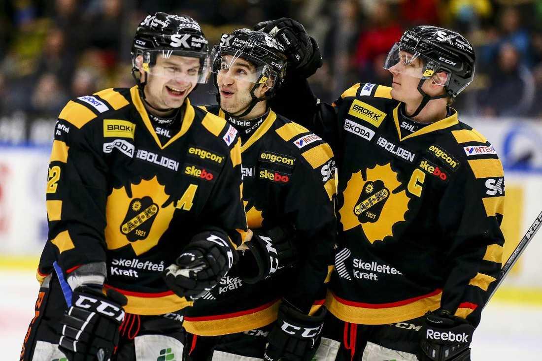 Janne Pesonen, Andrew Calof och Patrik Zackrisson räds inte favoritskapet.