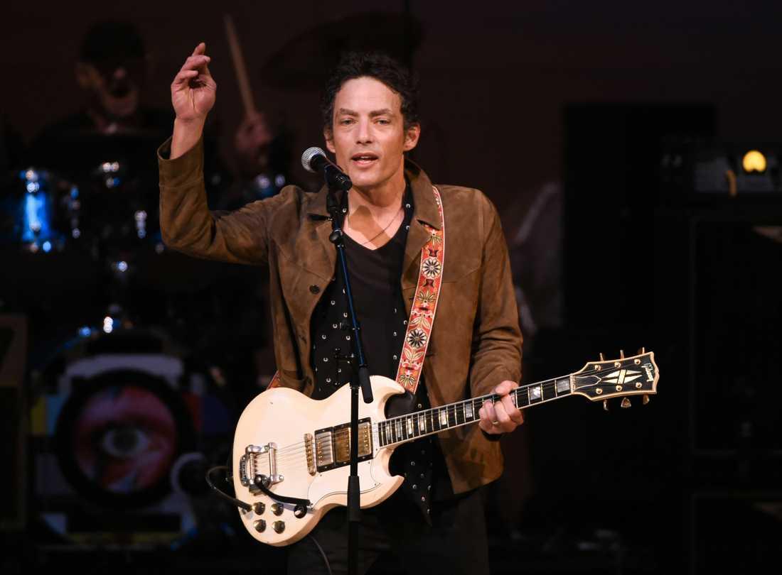 Musikern Jakob Dylan är pappa till Levi