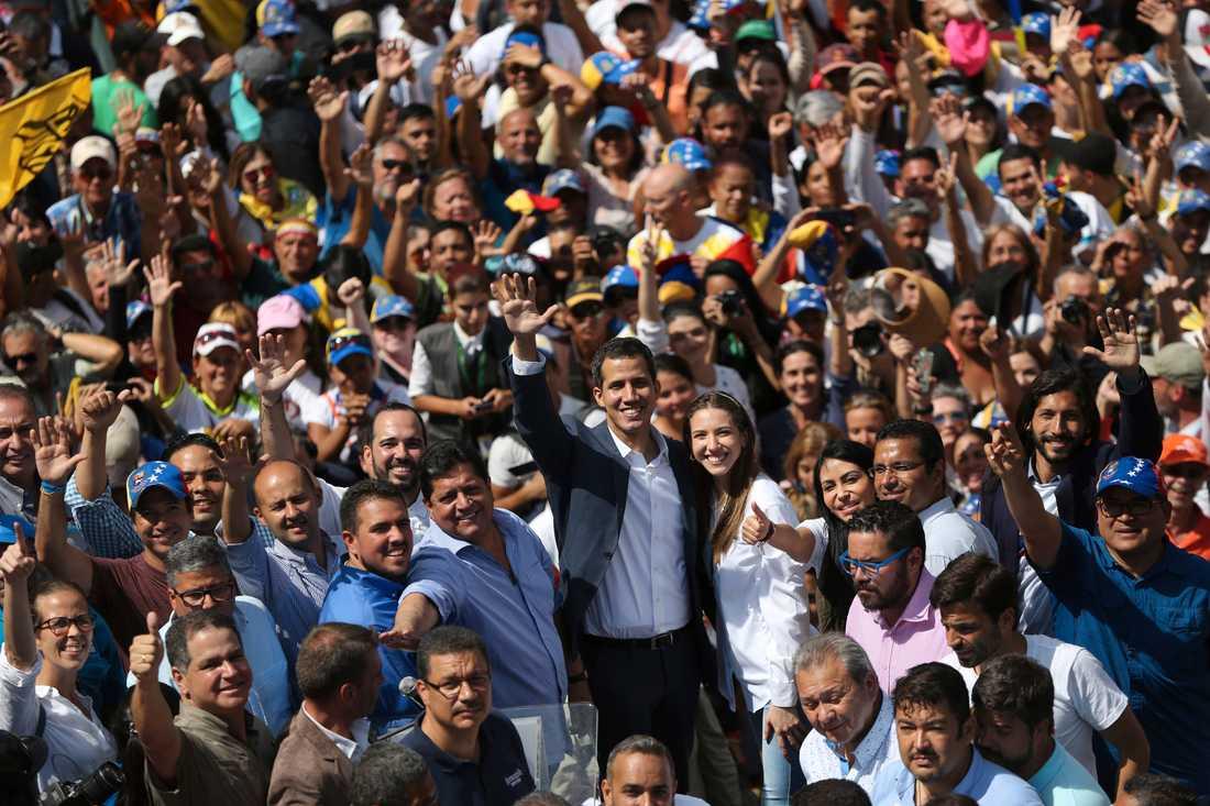 Oppositionsledaren Juan Guaidó under en protest i början av februari mot sittande presidenten Nicolás Maduro. Arkivbild.