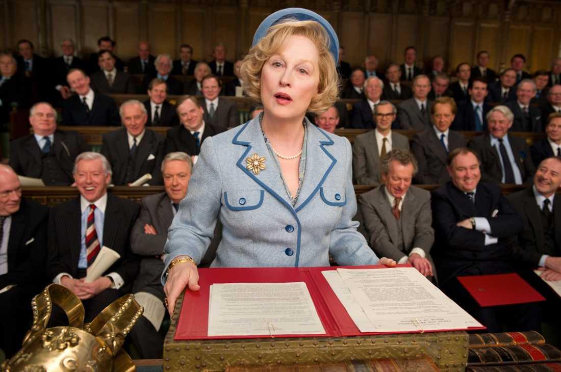 """Filmen river upp känslor """"Järnladyn"""", med Meryl Streep i huvudrollen som Margaret Thatcher, går för fulla hus i södra England. Samtidigt ekar biosalongerna tomma  i norr där invånarna i stället protesterar på gatorna."""