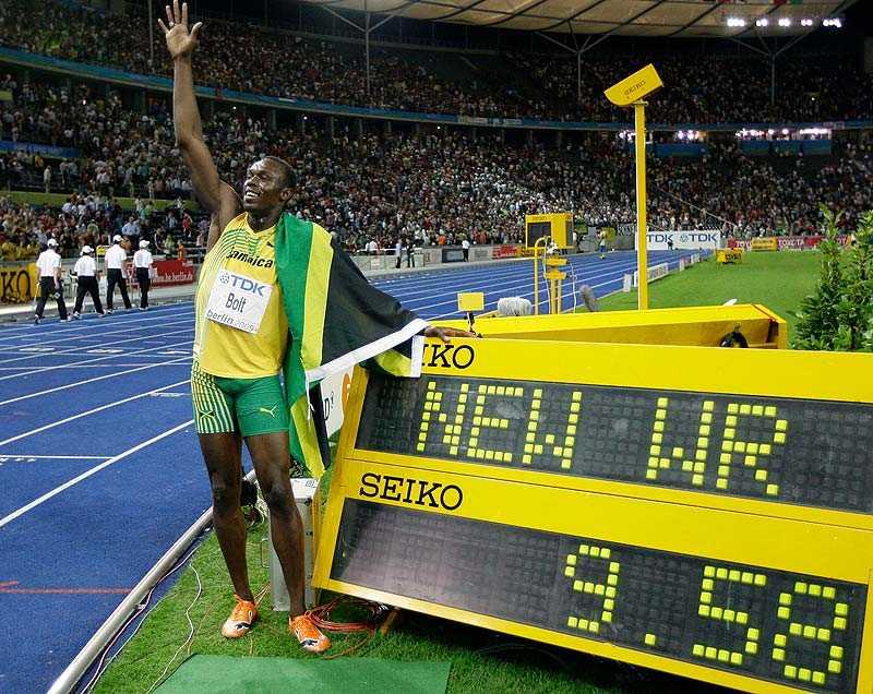 Snabbast i världen Här har precis Usain Bolt slagit världsrekordet på 100 meter vid VM i Berlin förra året.