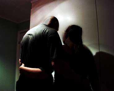 Mår dåligt Både Jenny och Marcus är i dag sjukskrivna på grund av psykisk stress. Varken de eller barnen kan sova på nätterna.