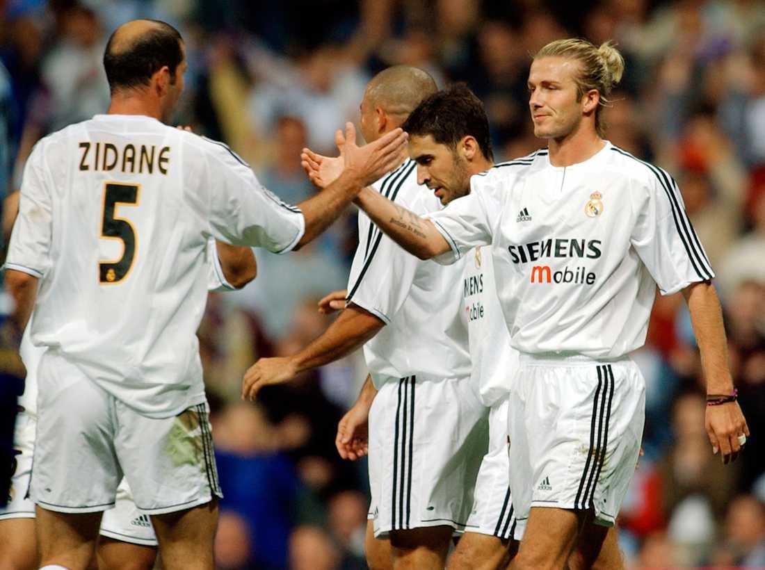 Zinedine Zidane och Beckham på Santiago Bernabeu-stadion i september 2003.