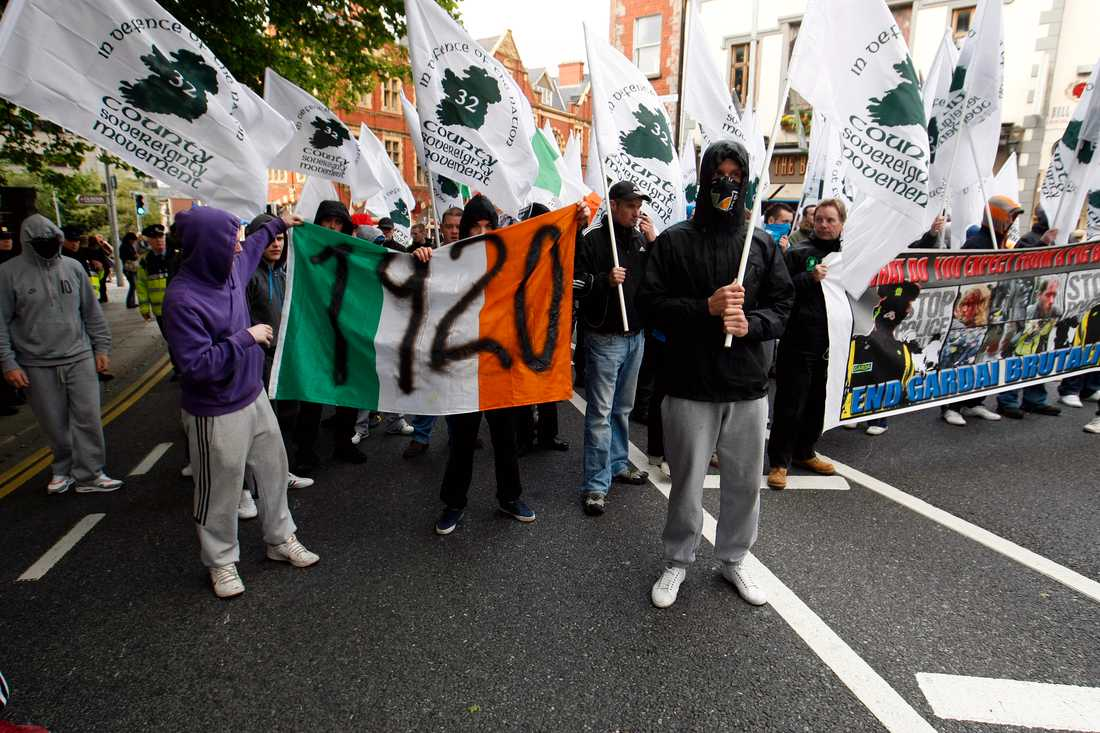 Demonstranter i Dublin 2011 påminner om massakern på Croke Park i Dublin den 21 november 1920. Arkivbild.