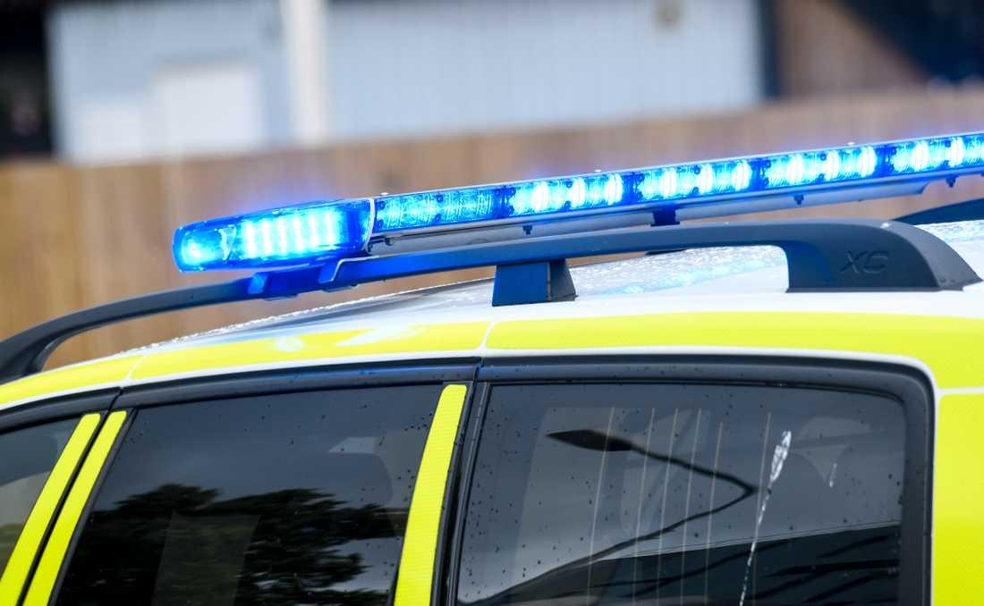 En man har anhållits efter att en kvinna hittats död i Säter.