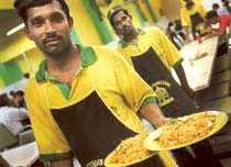 God snabbmat äter man på Restoran Yusoof Dan Zakhir vid Central market.