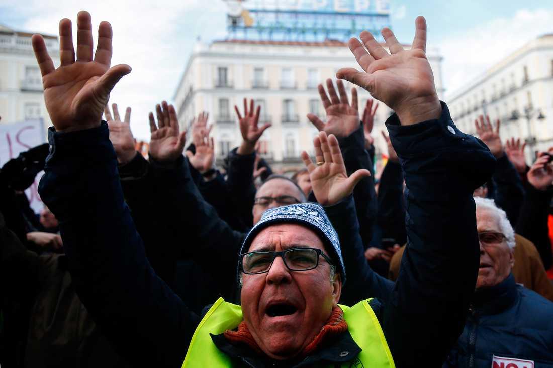 Stora protester mot Uber i Madrid och Barcelona.