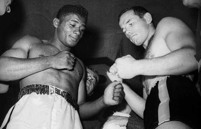 """Floyd Patterson och """"Ingo"""" på invägningen dagen innan matchen på Yankee Stadium."""