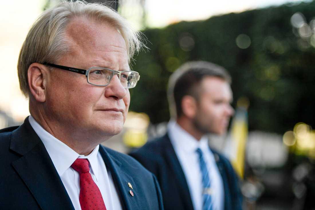 Försvarsminister Peter Hultqvist (S) får högst betyg av alla ministrar.