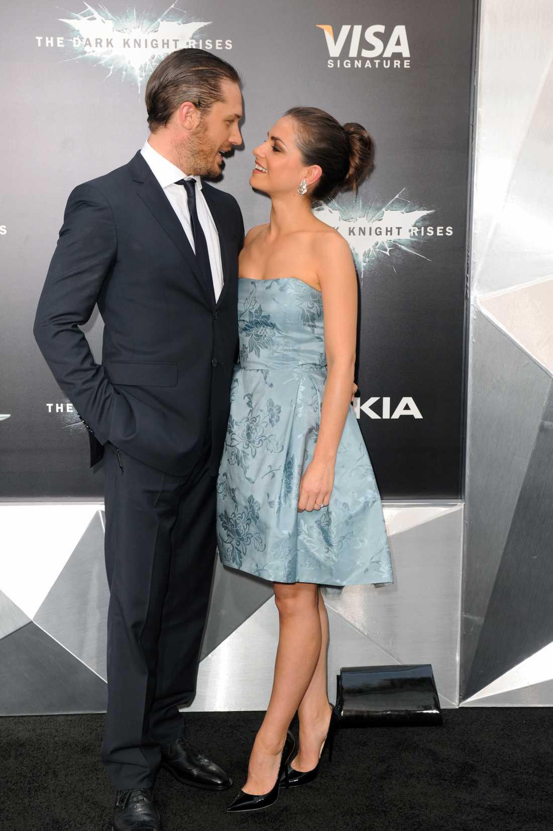 Tom Hardy med flickvän.
