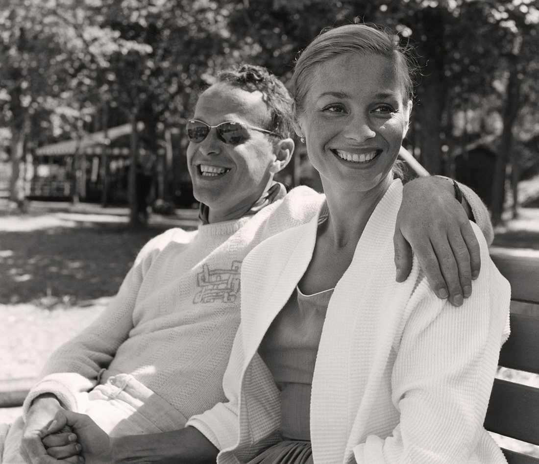 Kvinnokarlen. Harry Schein hade åtskilliga romanser, men var bara gift en gång, med skådespelerskan Ingrid Thulin som var hans livs stora kärlek. Under ganska lång tid av äktenskapet bodde han i Stockholm och hon i Italien. När han instiftade filmpriset Guldbaggen, gick den de första åren till henne och Ingmar Bergman, som vid det laget var en av Scheins  bästa vänner.