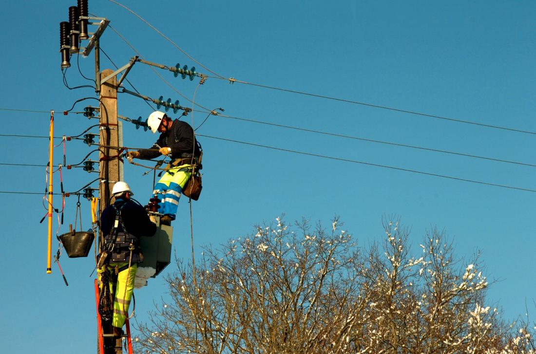 4000 kronor Skillnaden mellan det bästa och sämsta jämförbara elnätbolaget är 4 000 kr per år, visar Villaägarnas nya granskning.