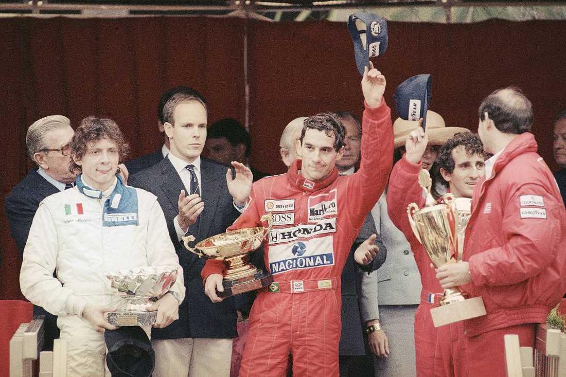 """""""En fruktansvärd händelse""""Den 1 maj 1994 dödskraschade Ayrton Senna med sin Williams på Imola under San Marinos grand prix. Dessförinnan hade den brasilianske föraren hunnit vinna tre VM-titlar. Foto"""
