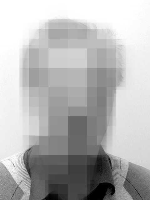 En morddömd man avvek från rättspsyk i Sala i Västmanlands län under torsdagsförmiddagen.