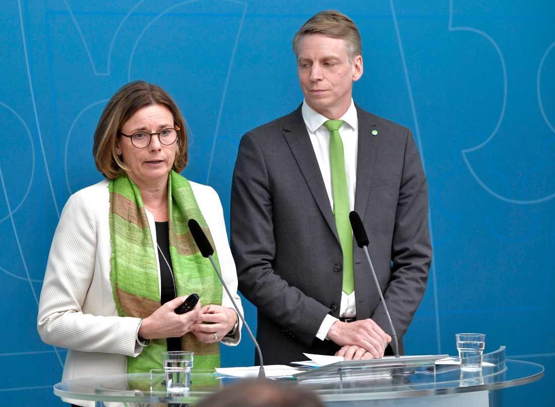 Miljöpartiets språkrör Isabella Lövin och Per Bolund.