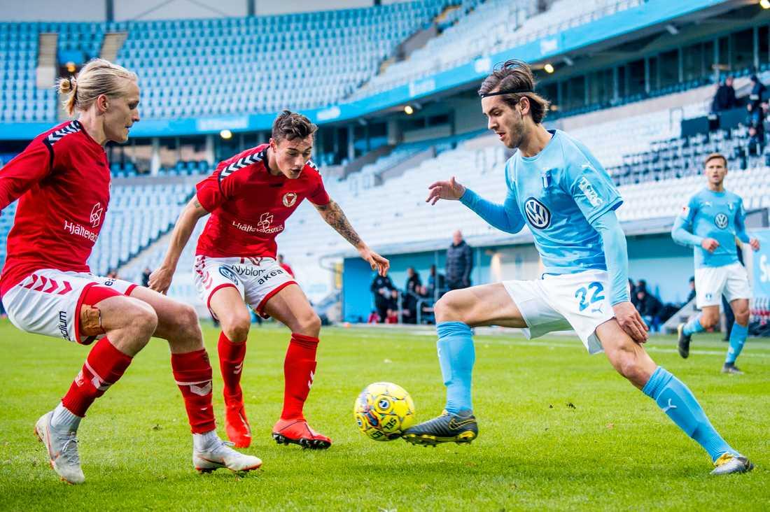 Adi Nalic hann spela en match på Stadion med Malmö FF - träningsmatchen mot Kalmar FF i våras.