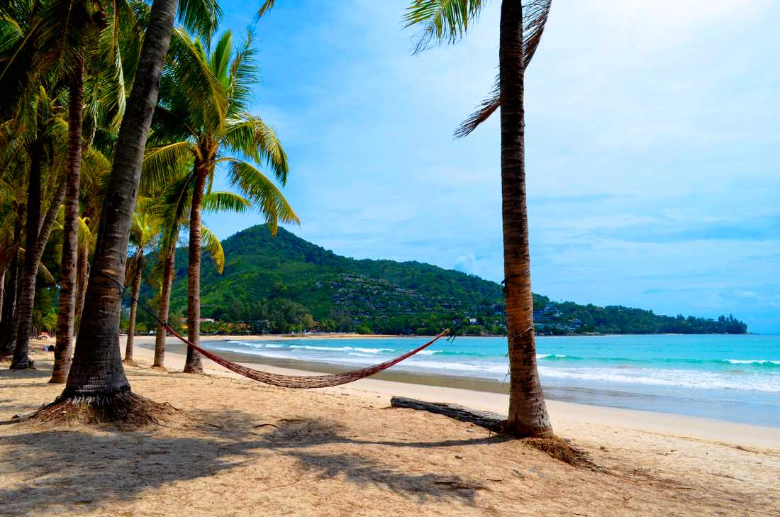 Kamala är en lite lugnare strand på ön.