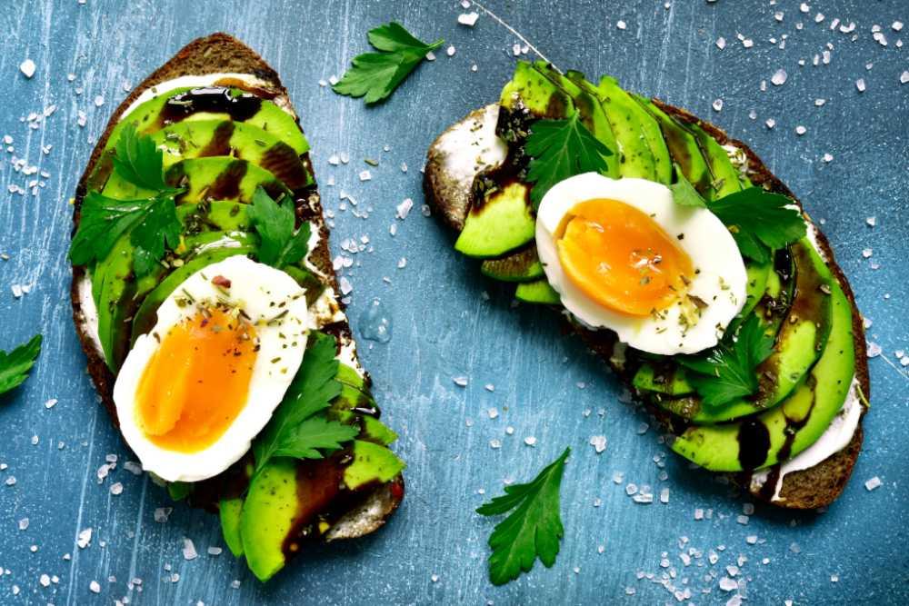 Avokadomacka med ägg