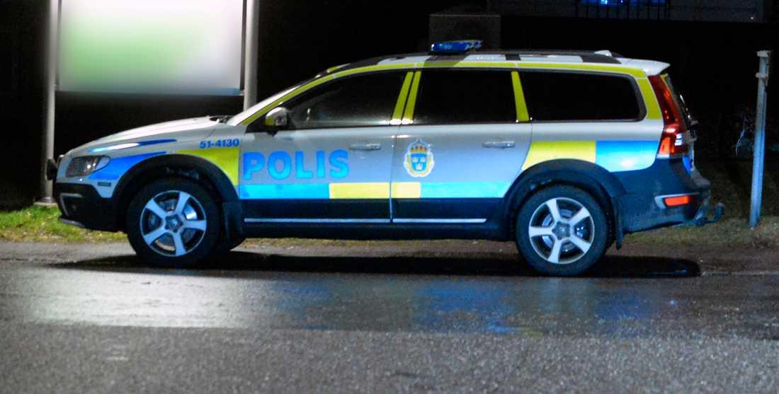 Polisen på brottsplatsen 2016.