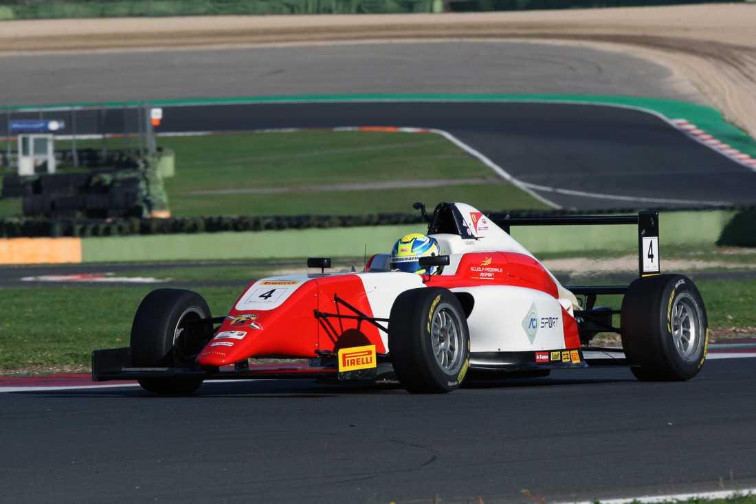 Dino Beganovic klar för Ferrari