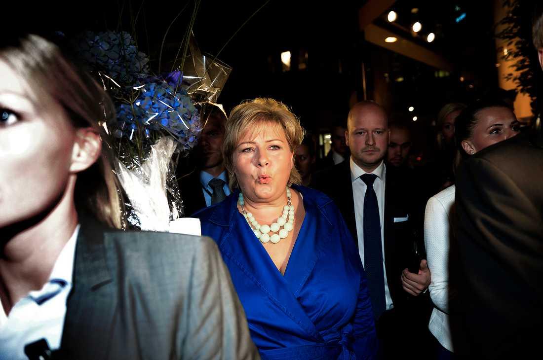 tar över Høyres Erna Solberg under gårdagens valnatt.  Nu är det upp till henne att bilda regering.