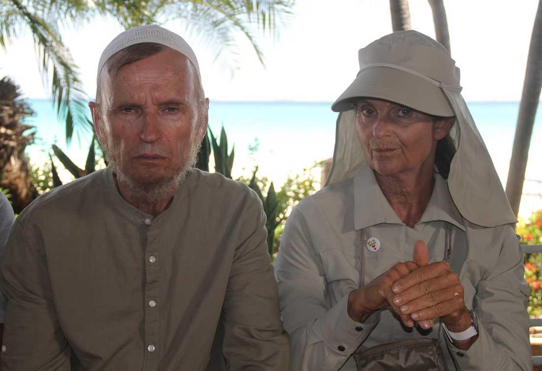 Johan Ulveson och Suzanne Reuter.