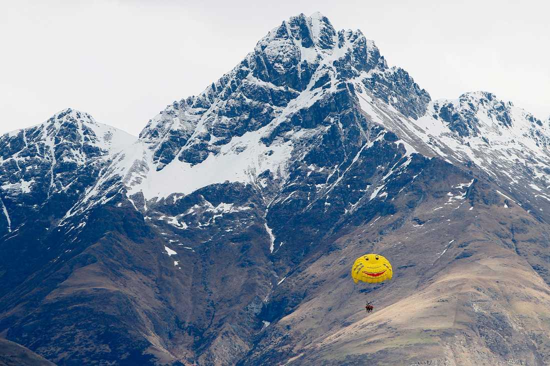 Vy över The Remarkables-bergen i Nya Zeeland. Arkivbild.