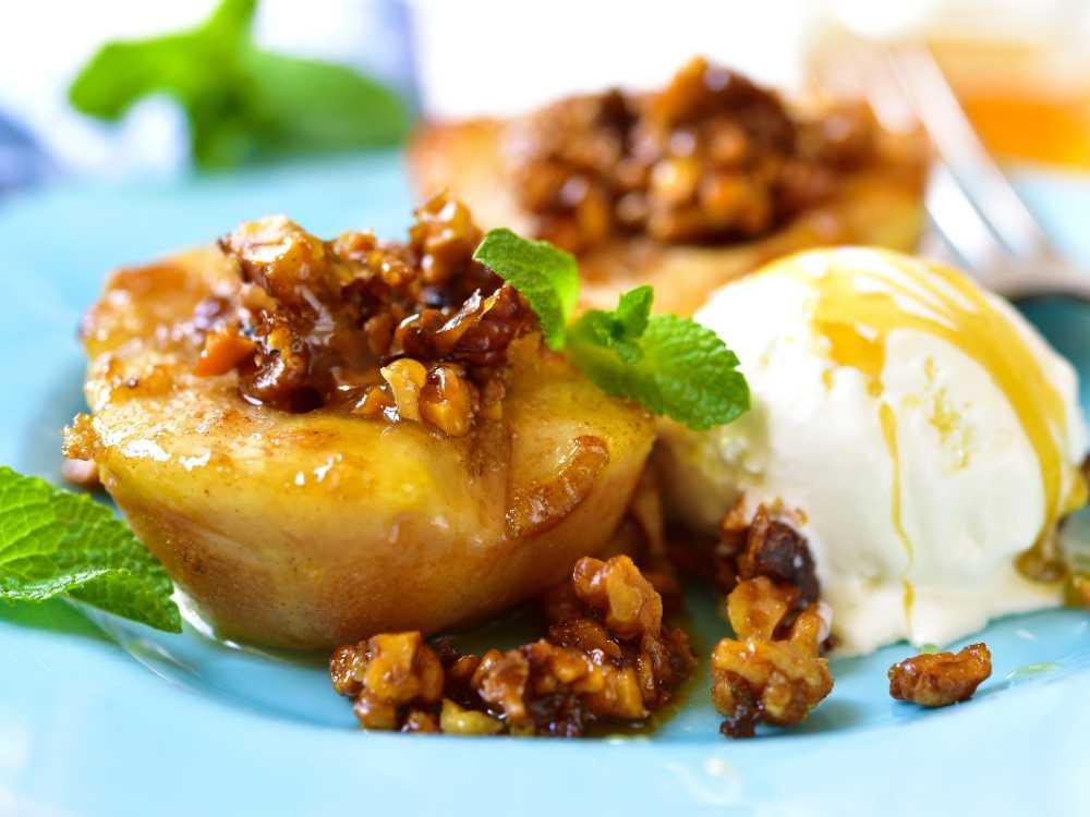 Grillade päron med karamelliserade valnötter