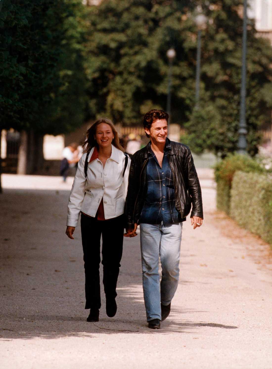 Jewel och Sean Penn i Paris 1998.