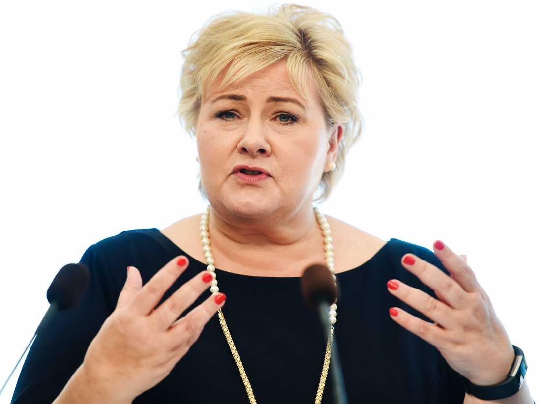 Norges statsminister Erna Solbergs regering vill få stöd av kristna partiet KRF i Stortinget.