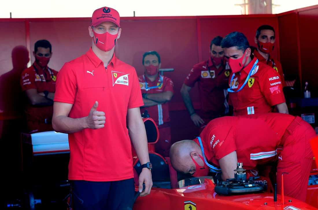 Mick Schumacher tar steget in i Formel 1.