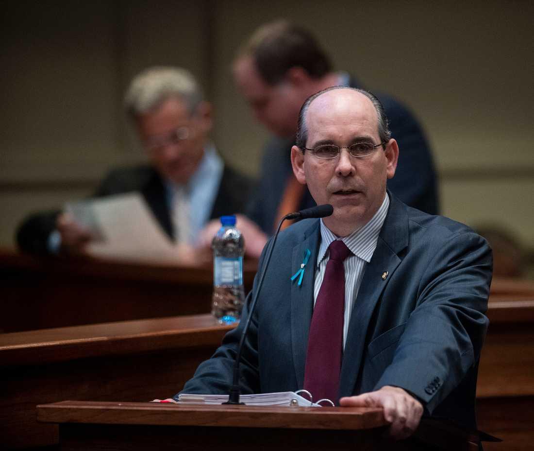 Senatorn Clyde Chambliss i en debatt om förslaget på tisdagen.