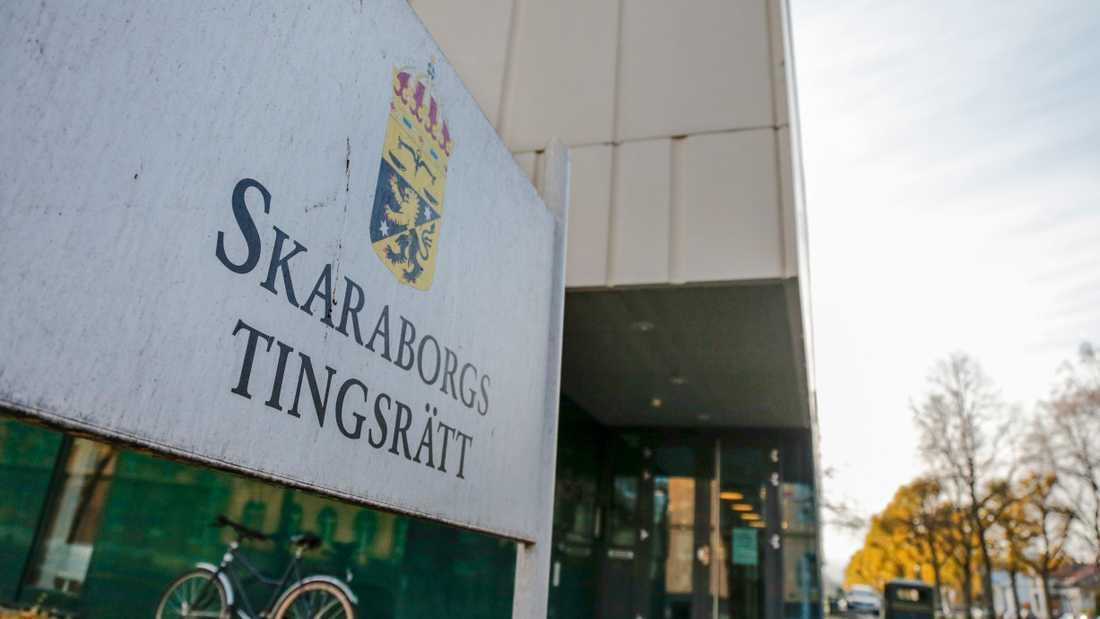 Rättegången mot mannen som misstänks ha vållat sin treårige styvsons död pågår i Skaraborgs tingsrätt. Arkivbild.