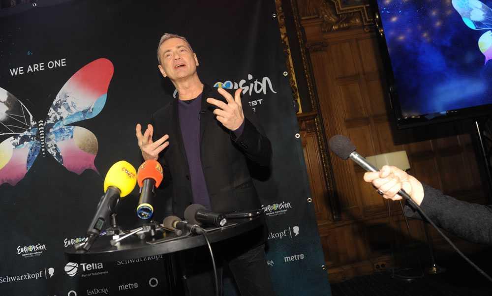 Christer Björkman presenterar Petra Mede.