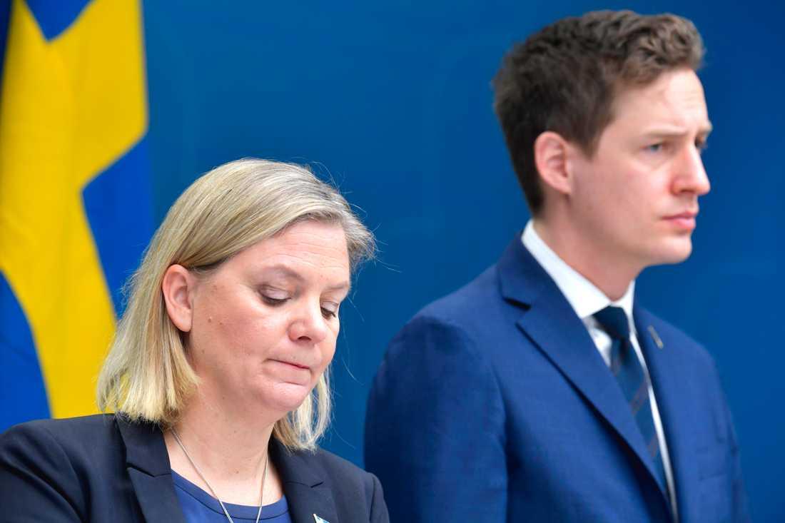Regeringen och Magdalena Andersson har presenterat krispaket för att dämpa coronavirusets effekter på svensk ekonomi.