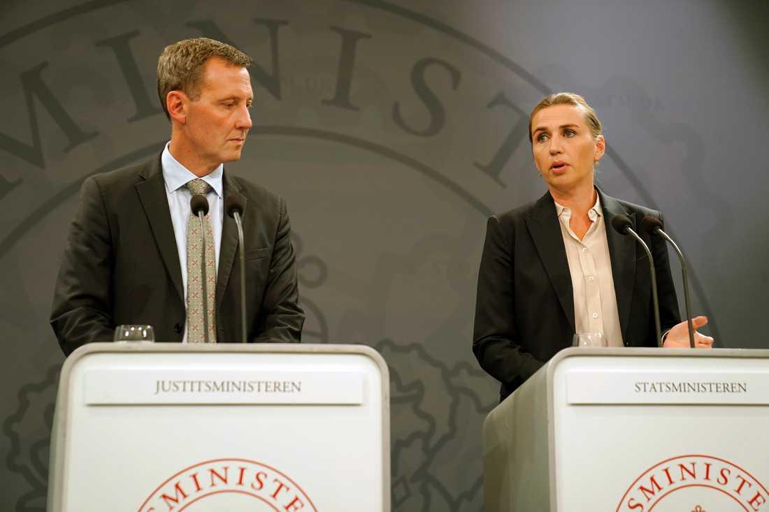 Danmarks justitieminister Nick Hækkerup och statsminister Mette Frederiksen.