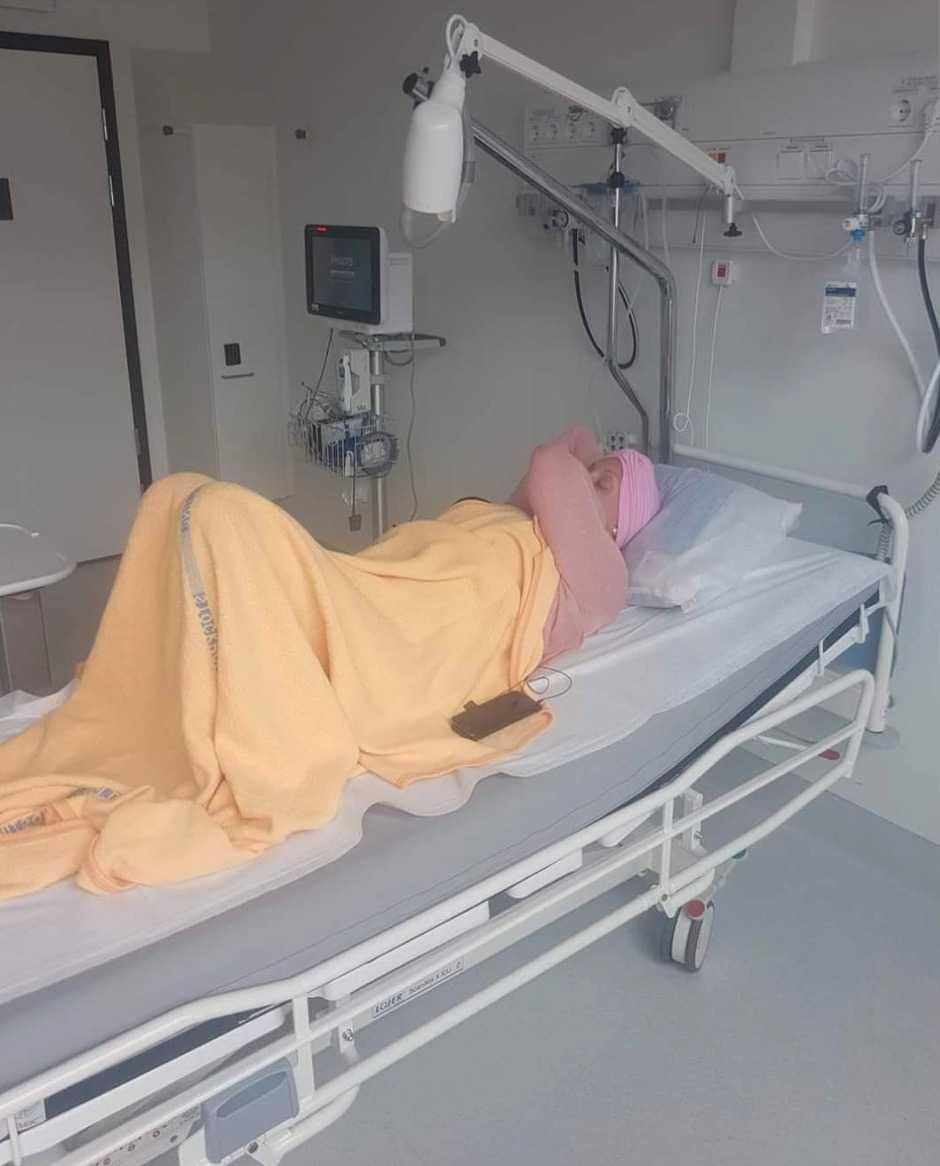 Jonna har fått genomgå en intensiv behandling som var väldigt tuff.