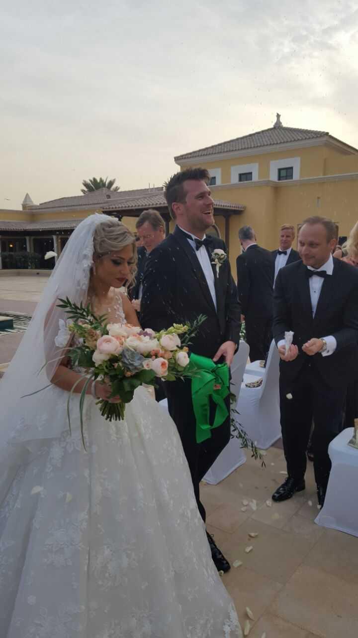 "Jonas ""Basshunter"" Altberg gifter sig med Tina Makhia Khayatsadeh i Dubai."