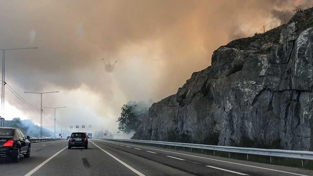 Skogsbrand i Nacka, öster om Stockholm.