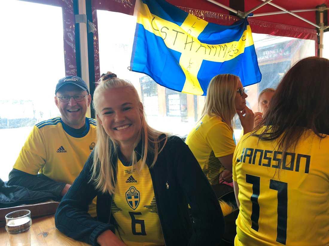 Danmarks Pernille Harder iklädd den svenska landslagströjan.
