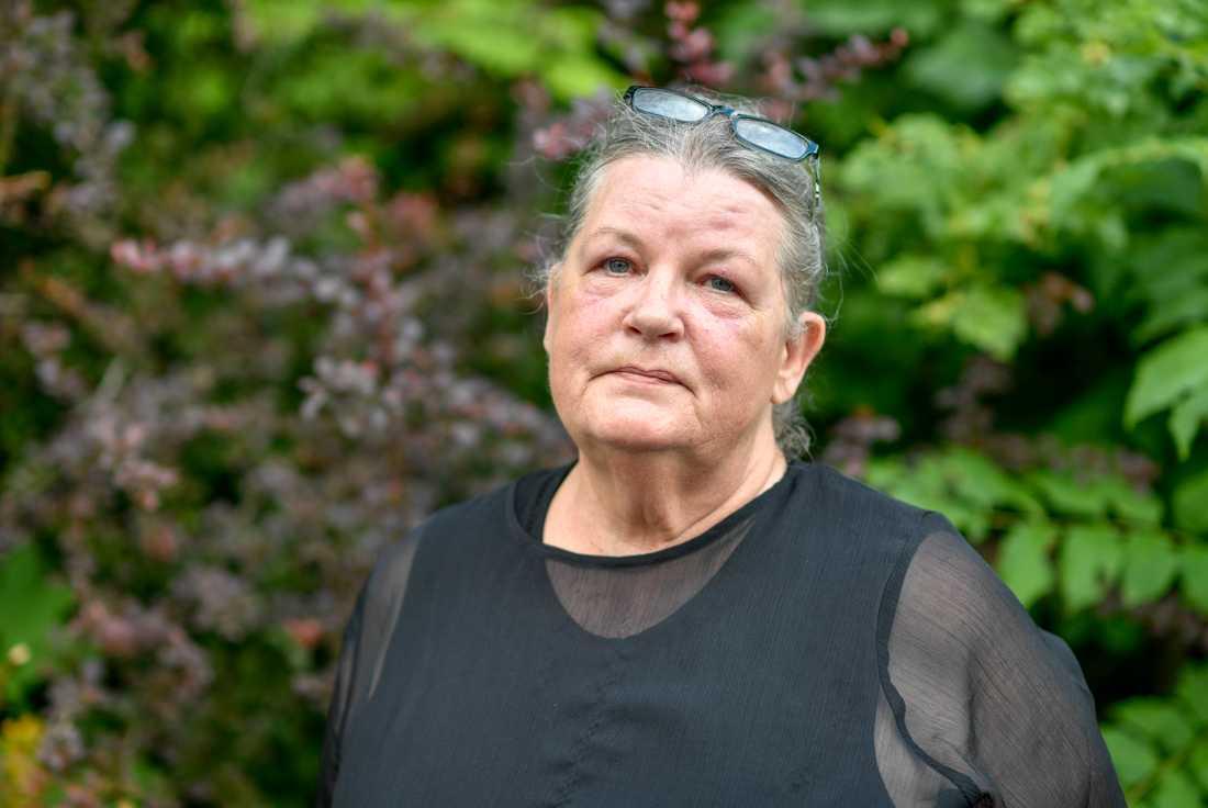 Elisabet Nilsson, anhörig, tror inte att Estoniakatastrofen kommer att utredas ordentligt.