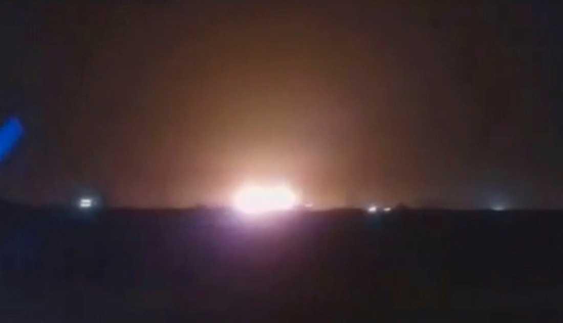 En bild från en video som kan visa nedskjutningen av det ukrainska planet utanför Teheran i förra veckan. Arkivbild.