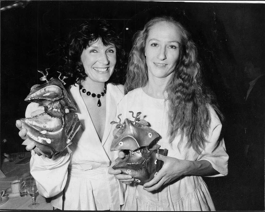 Kim Anderzon, har fått en guldbagge i kategorin bästa skådespelerska 1982-83 för sin roll i filmen Andra dansen Tillsammans med Malin Ek som fick en guldbagge i kategorin bästa skådespelerska 1982-83 för sin roll i filmen mamma.